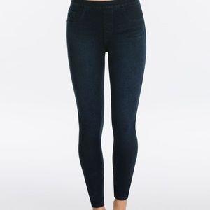 Spanx Skinny Jeans 1X Jean-ish Ankle Legging $102